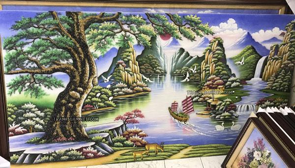 Giới thiệu về mỏ đá và nghề làm tranh vàng Lục yên, Yên bái