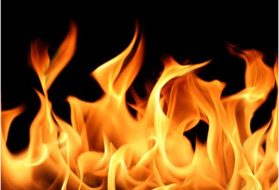 Người mệnh hỏa chọn tranh nào treo phòng khách phù hợp?