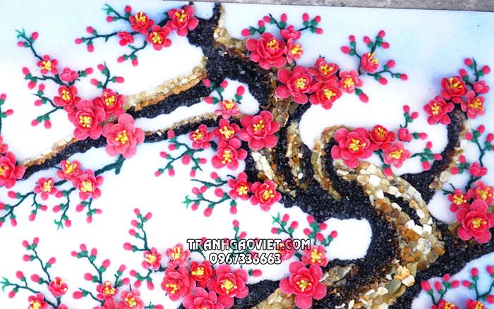 Treo tranh đá quý hoa đào trong nhà mang lại tài lộc may mắn cho gia chủ